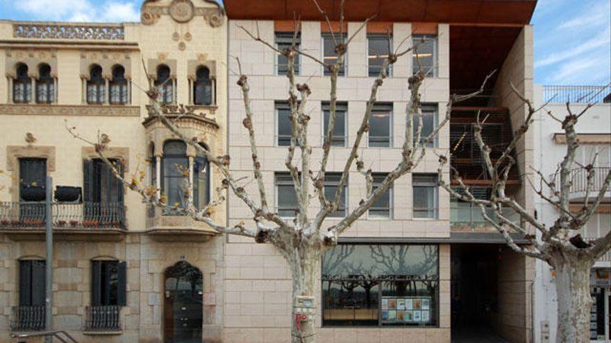 L'Ajuntament de Roses commemora per primera vegada la Diada de Catalunya
