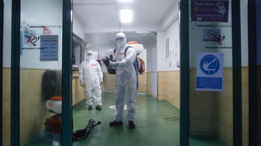 Los comerciantes del mercado del Marrubial se harán pruebas PCR antes de reabrir el martes 27