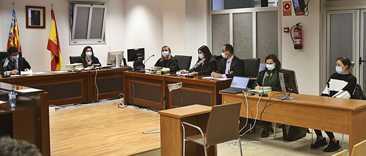 Imagen de la sala tomada ayer antes de la lectura del veredicto.