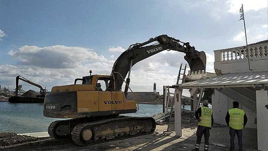 Cort elimina la prohibición de hacer obras ruidosas en las zonas turísticas