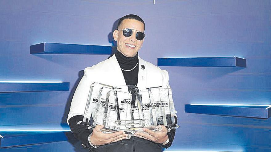 Daddy Yankee y Bad Bunny, los más galardonados en los premios Latin Billboards