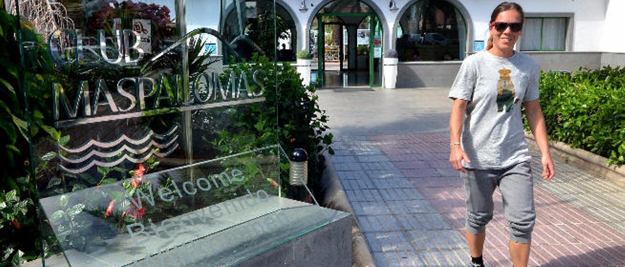 Fachada de los apartamentos Club Maspalomas de Campo Internacional, en el que a principios de año se proyectaba un hotel de cuatro estrellas.