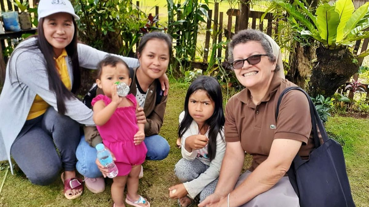 Gloria Esther Alonso Méndez, carmelita misionera teresiana