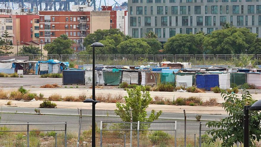 València elimina 7 asentamientos de personas sin techo de los 34 que había