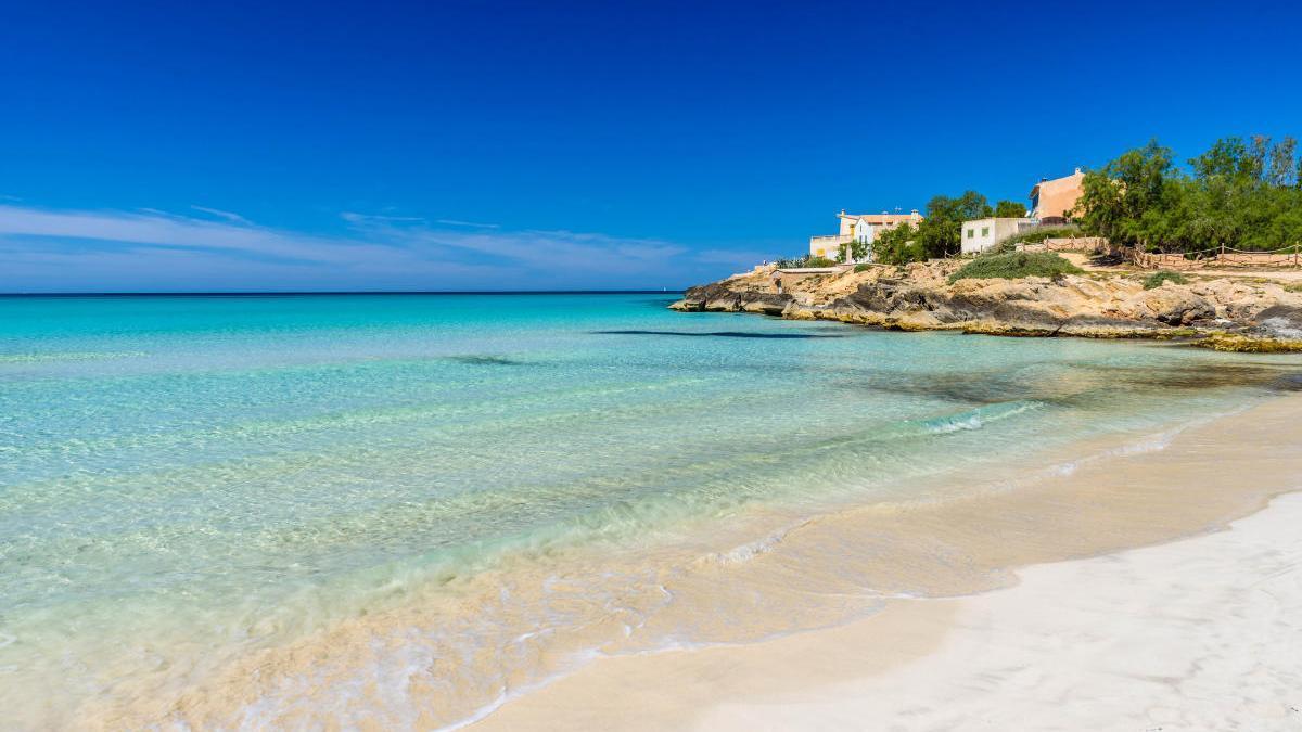 Playa o montaña: ¿dónde es más seguro ir de vacaciones?