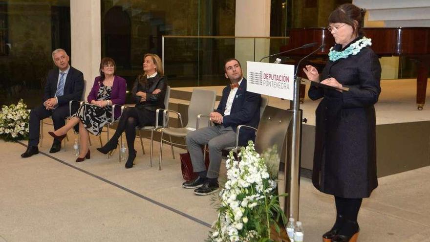 Margarita Ledo recoge el Premio Otero Pedrayo