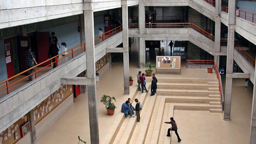 El proyecto final de más de 30 alumnos de Arquitectura se tambalea