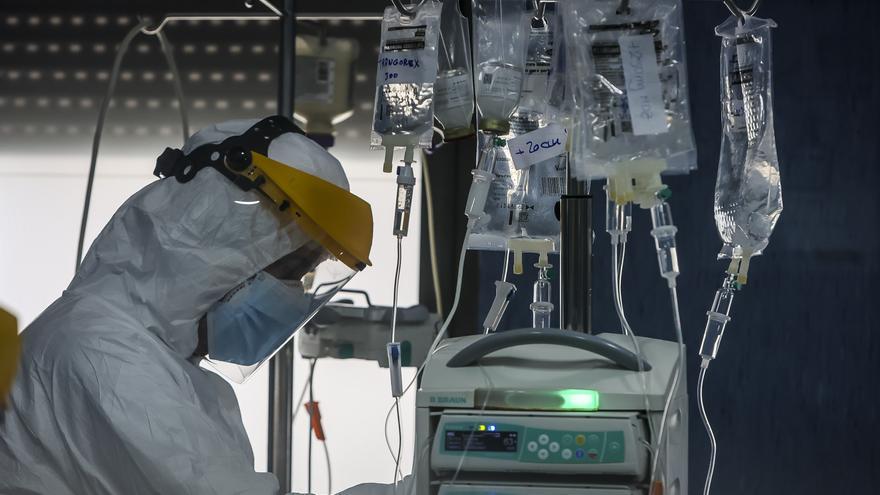 La cifra de hospitalizados por covid en la provincia baja de cien por vez primera desde finales de julio