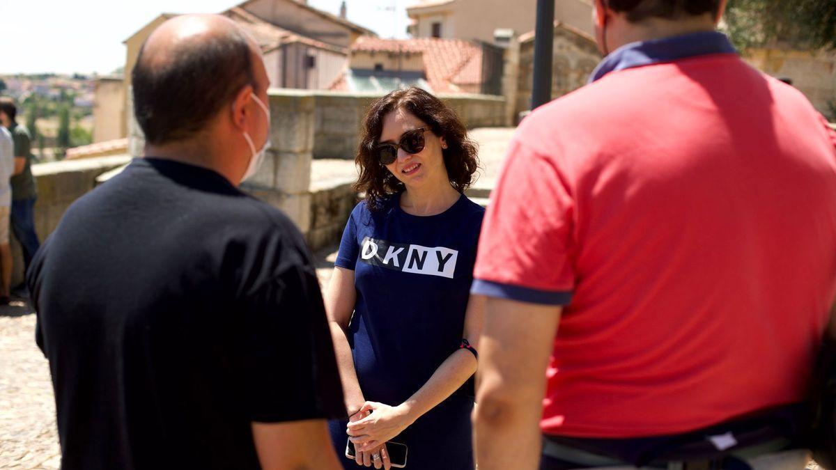 Isabel Díaz Ayuso disfruta del Románico de Zamora.