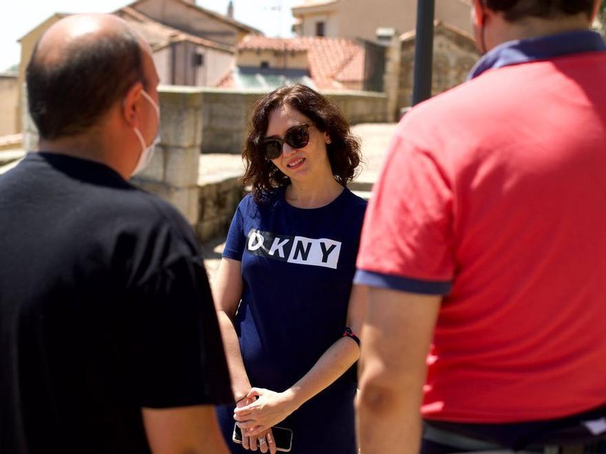 Isabel Díaz Ayuso disfruta del Románico de Zamora