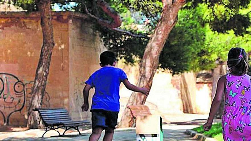Cort tarda diez meses en conceder 150 euros de subvención para actividades de verano