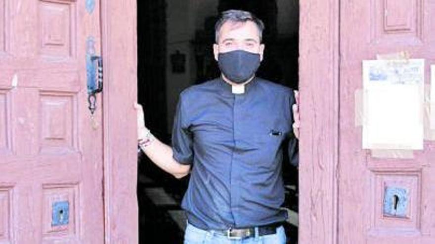 """Francisco Ortega, el cura """"youtuber"""" de Morales del Vino"""