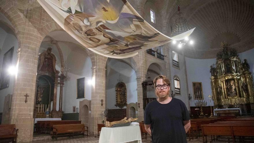 Tomás Pizá reinterpreta el Llit de la Mare de Déu en clave floral