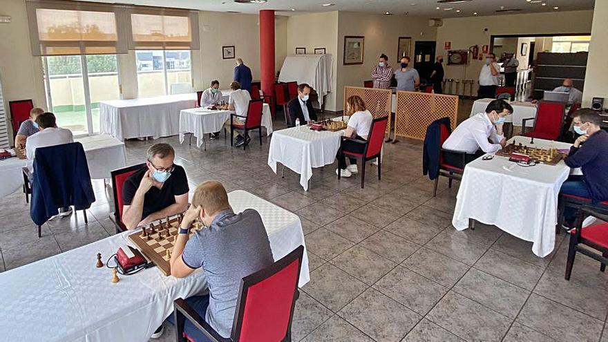 Duelo de ajedrecistas en Paterna
