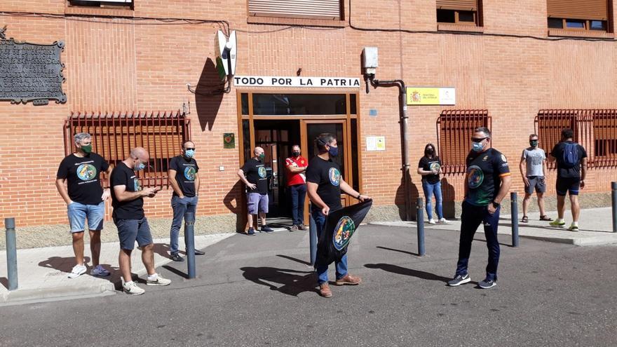 Agentes de la Guardia Civil se concentran en Benavente en apoyo a los compañeros heridos en Campo de Gibraltar