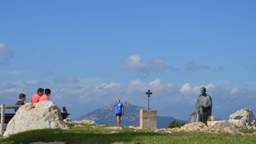 Escapada d'estiu: Pujar al cim del Mont per tocar cel i terra entre l'Empordà i la Garrotxa