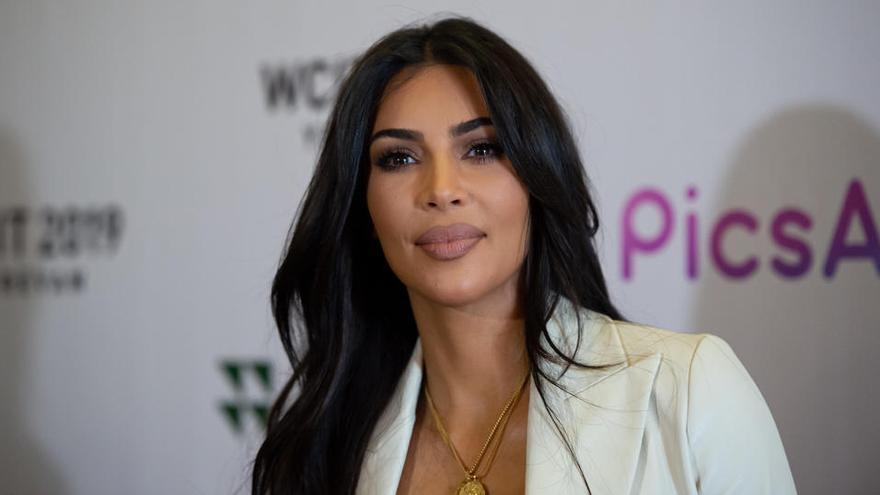 """Kim Kardashian se une al """"boicot"""" de un día a Facebook e Instagram por su """"permisividad"""""""