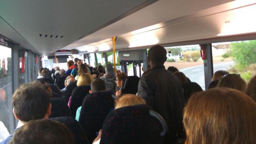 Denuncian la peligrosa masificación en los autobuses desde el Port y Sagunt hasta Valencia