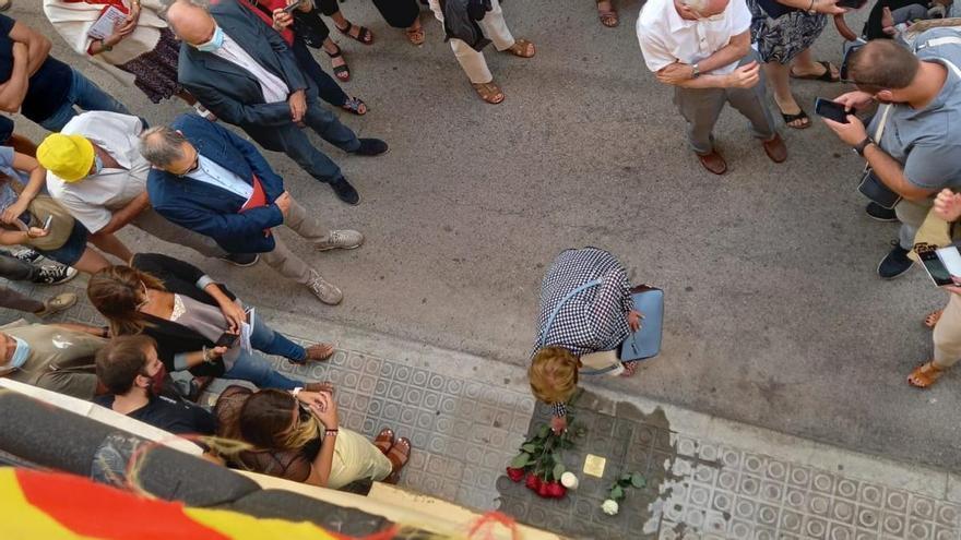 El Memorial Democràtic instal·la una llamborda stolpersteine a Sant Salvador de Guardiola