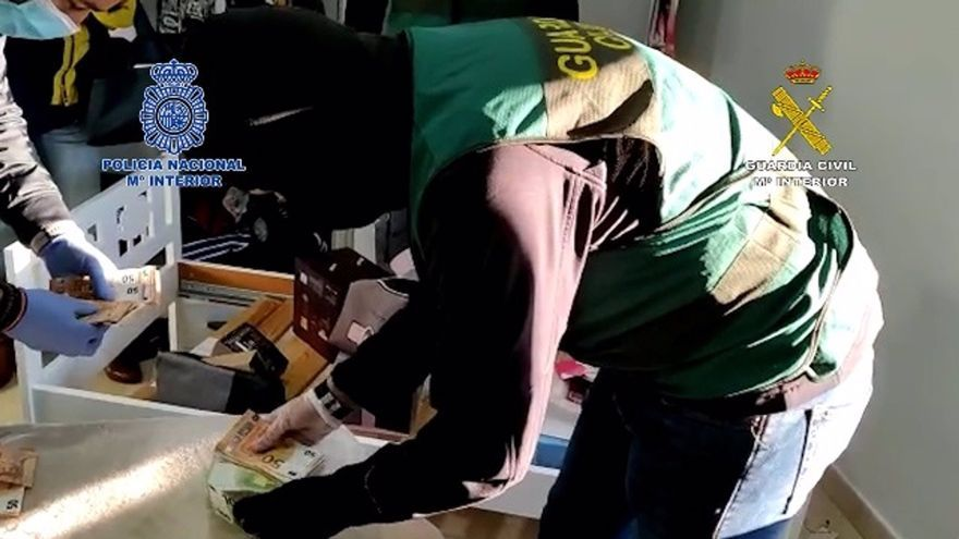 Apartan al conserje de un colegio de Marbella detenido en una operación contra el narcotráfico