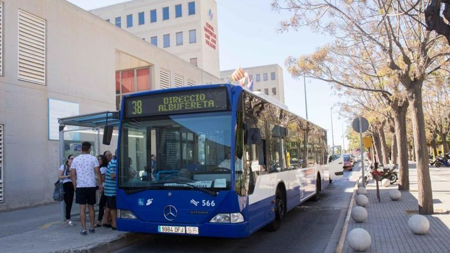 Xixona pide garantizar la seguridad del autobús con el Hospital de Sant Joan