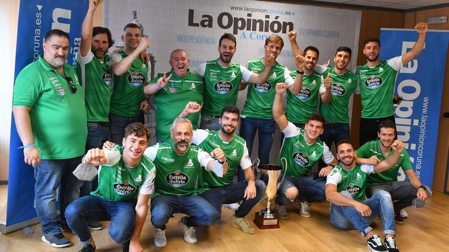 El Deportivo Liceo visita LA OPINIÓN tras proclamarse campeón de la Copa del Rey