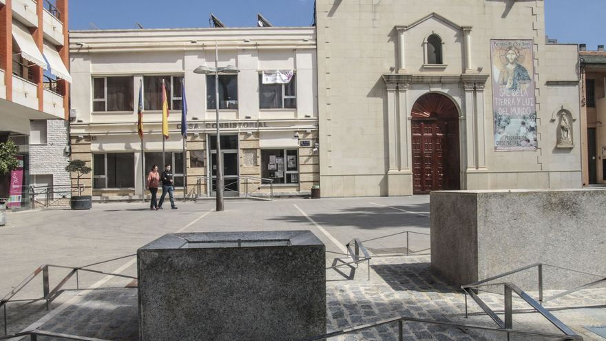 """La oposición cuestiona las contrataciones """"a dedo"""" de personal y empresas en el Ayuntamiento de Bigastro"""