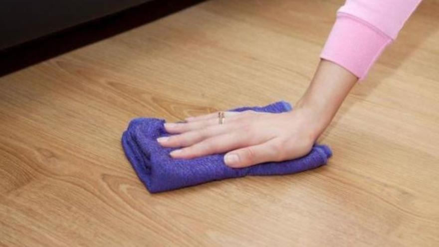 El truco definitivo para eliminar con una bayeta el polvo de todos tus muebles en cuestión de minutos