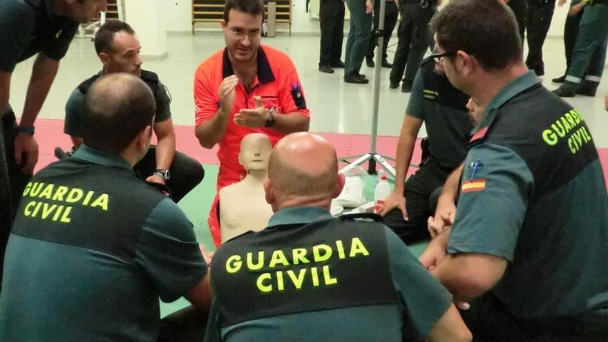 El 061 inicia la formación en primeros auxilios de 450 guardias civiles del Grupo de Reserva y Seguridad