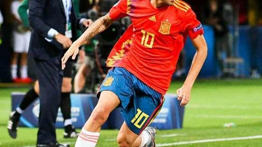 España se estrena con derrota y se queda sin margen de error