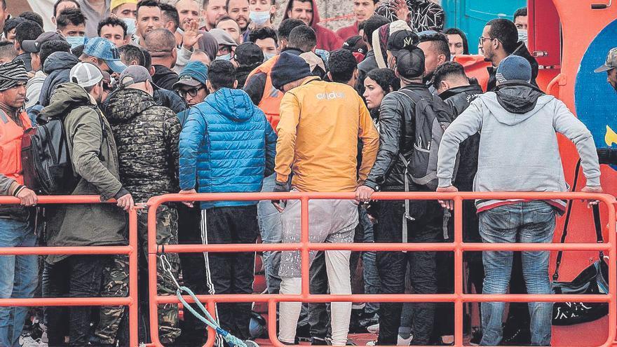 """La justicia no ve delito en el hacinamiento de Arguineguín, pese a las condiciones """"deplorables"""""""