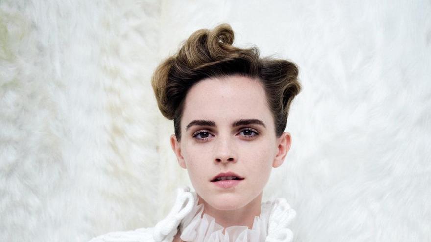 Emma Watson respon a les crítiques pel seu topless a Vanity Fair