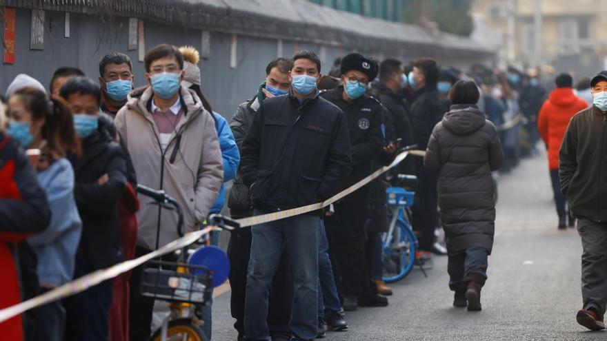 China suma 94 contagios locales de coronavirus, 32 menos que en la víspera