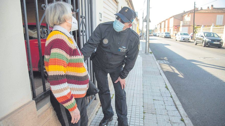 Los vecinos de El Vivero recuperan a su añorado policía de barrio