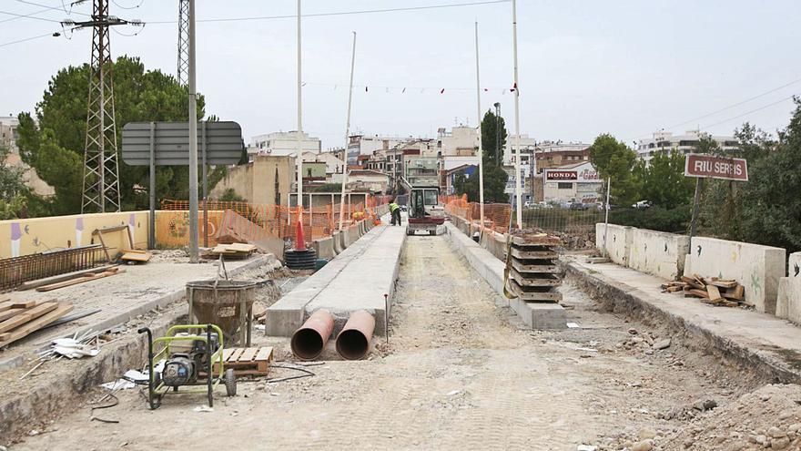 Gandia acorta plazos y apunta final de año para abrir el Pont Nou