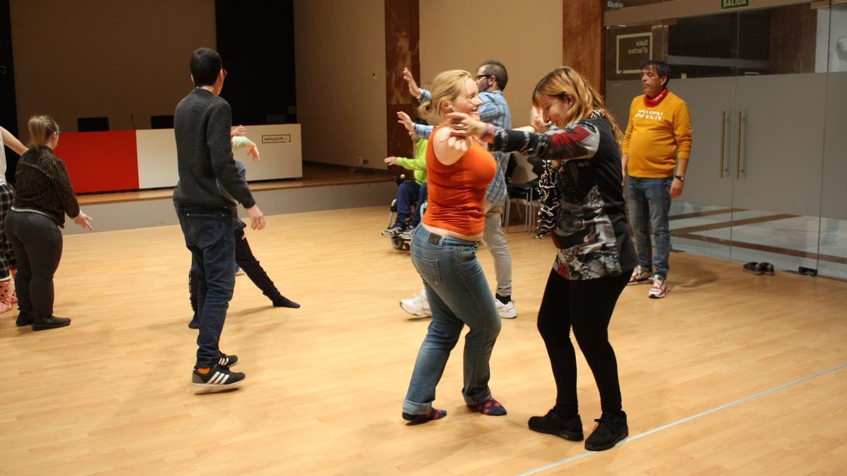 Imagen de archivo de unas de las clases de teatro realizadas en el Menador.