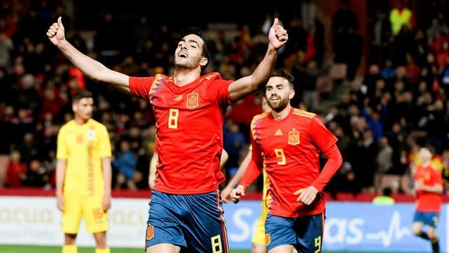 España, con más fútbol que pegada, se impone a Rumanía