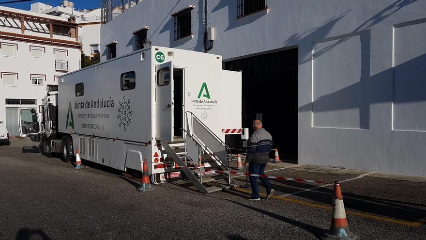 Uno de cada tres contagiados en Málaga son de esta tercera ola