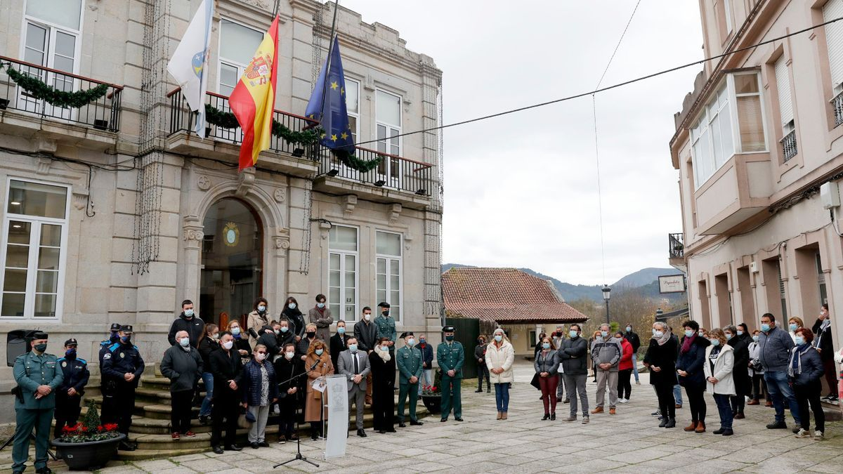 Concentración en Gondomar en repulsa por el asesinato de Soledad Rey.