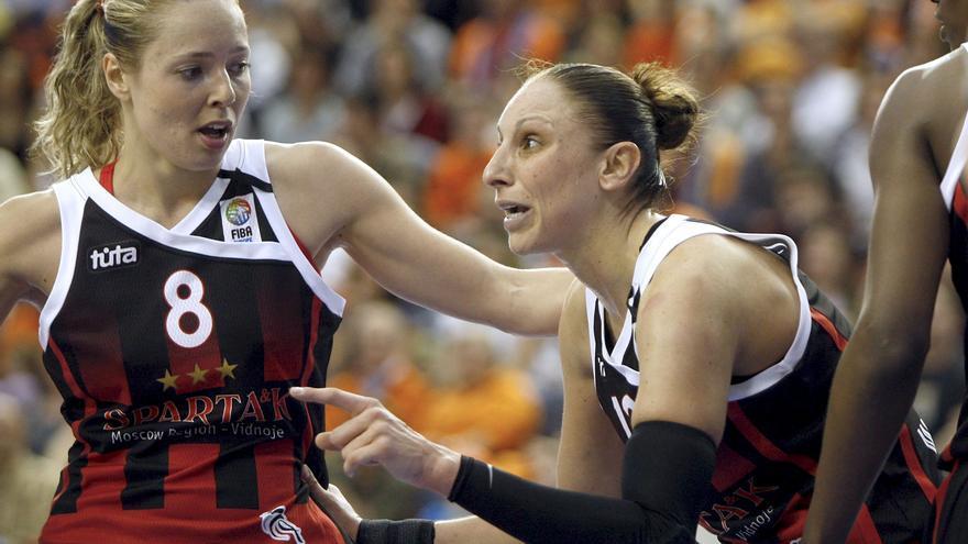 Diana Taurasi alcanza los 9.000 puntos y hace historia en la WNBA