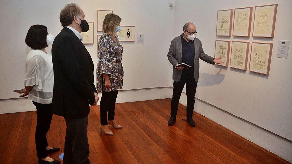 Presentación de la exposición, ayer, en el Café Moderno.