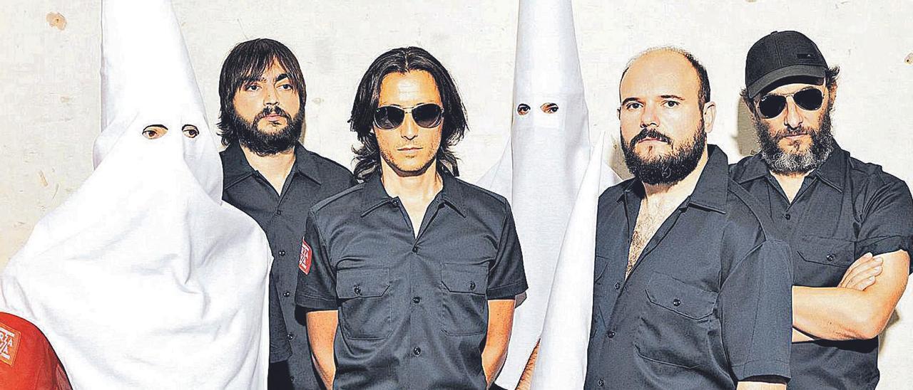 La banda Fuerza Nueva es la  fusión de Los Planetas y   Niño de Elche.  levante-emv