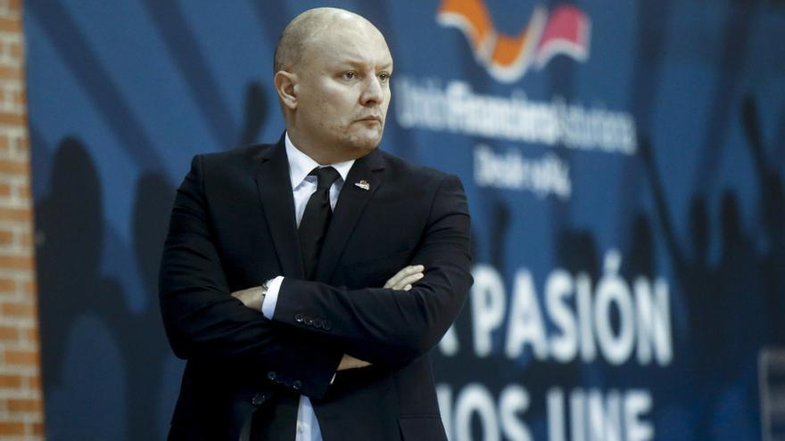 """Arturo Álvarez: """"El OCB es favorito para estar entre los cinco primeros"""""""