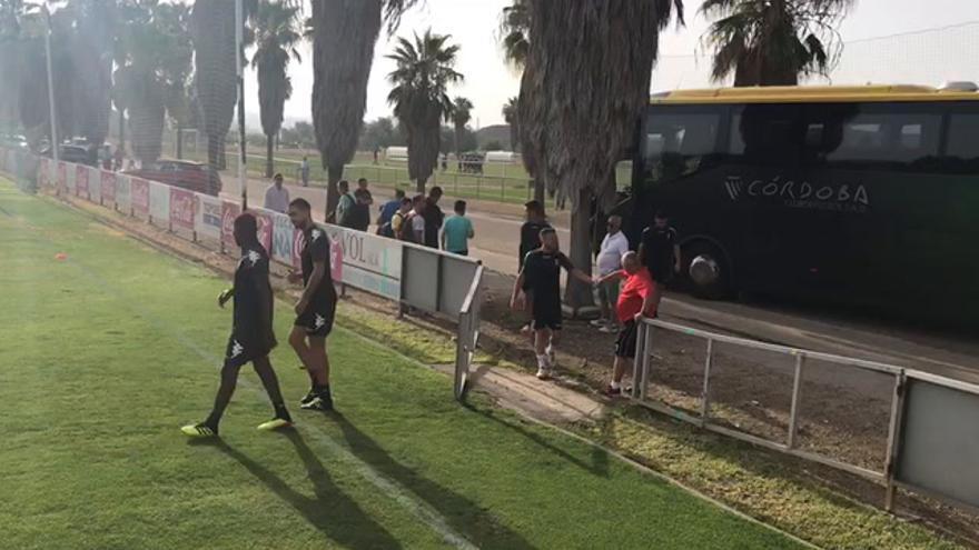 El Córdoba se entrena en un serio ambiente