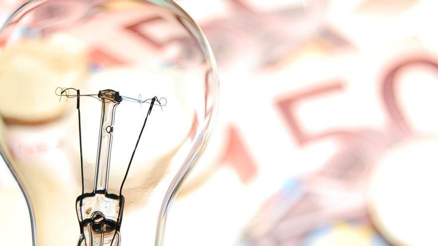 La electricidad vuelve a precios máximos debido a las subidas del gas y del CO2
