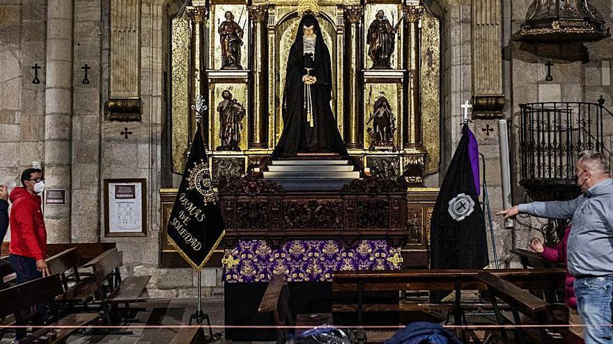 Semana Santa en Zamora | La Soledad, en su mesa, espera a los devotos en San Juan