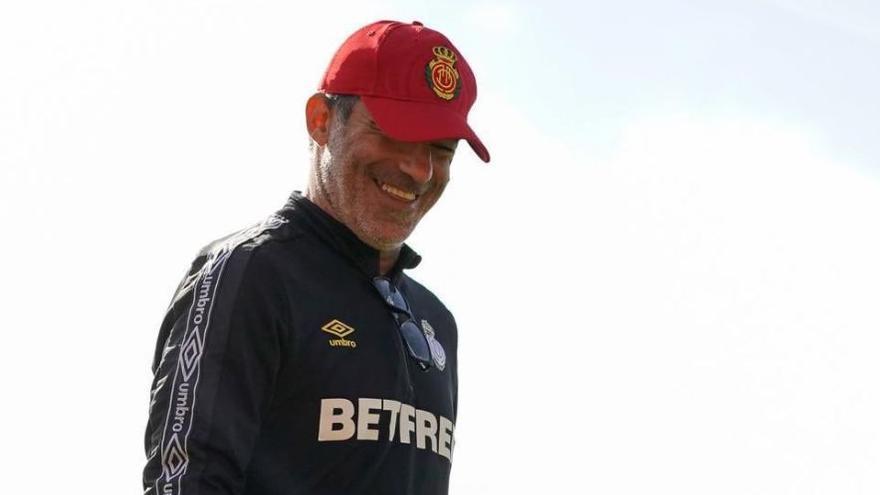 """Luis García: """"Necesitamos refrescar el equipo, habrá unos cuantos cambios"""""""