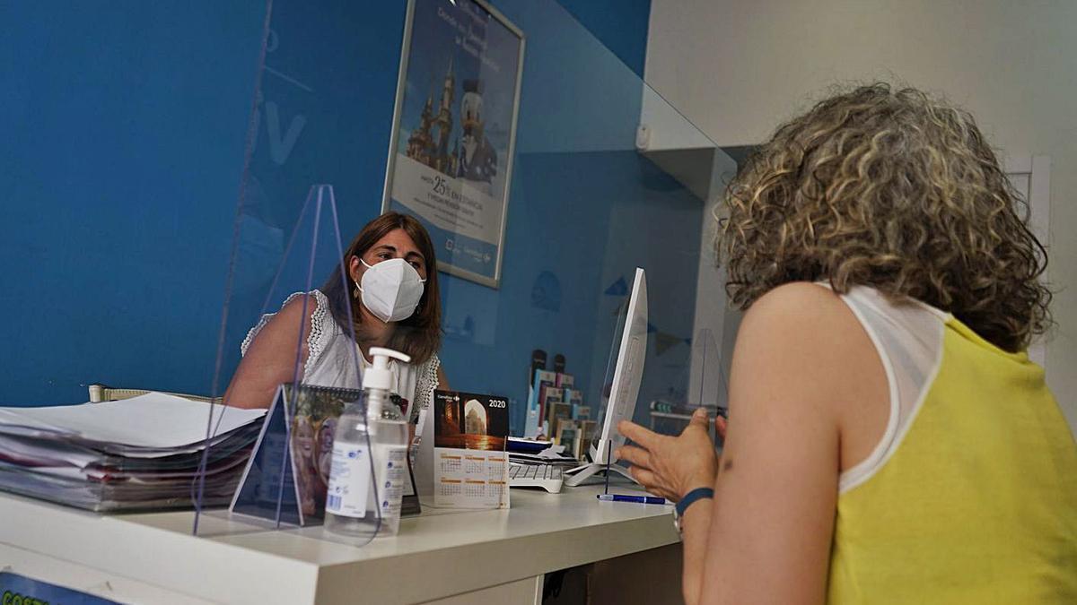 Medidas de seguridad contra el coronavirus en un establecimiento zamorano. | José Luis Fernández