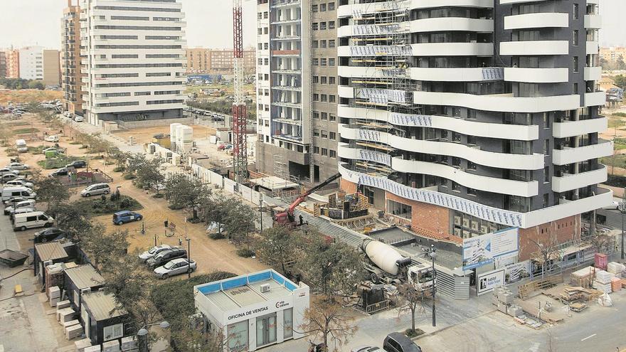 Los pequeños inversores se lanzan a comprar pisos en València