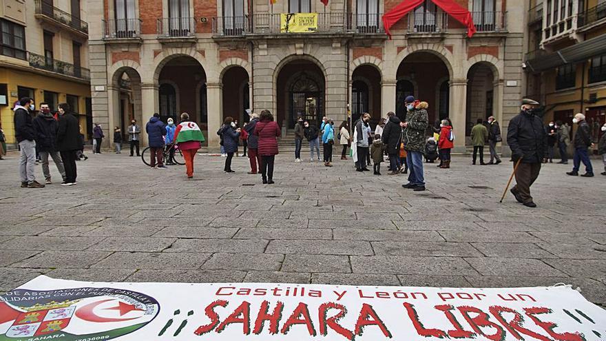 Más de medio centenar de personas se concentra en Zamora por un Sáhara Libre